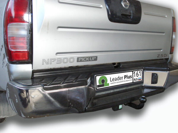 Фаркоп для Nissan NP 300 D22A 2008-... - Фото