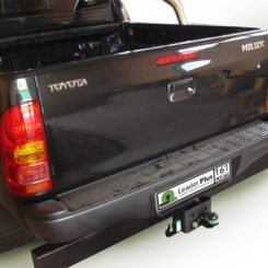 Фаркоп для TOYOTA Hilux 4WD N2 с задним силовым бампером 2008 F