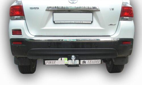 Фаркоп для TOYOTA Avensis 2010-2013 с нерж. пласт.