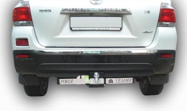 Фаркоп для TOYOTA Avensis 2010-2013 с нержавеющей пластиной - Фото
