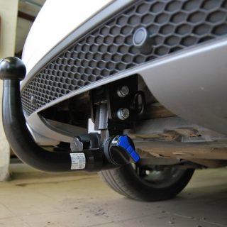 Фаркоп оцинкованный Audi A4 седан/универсал (Avant) 2000-2007, включая 4WD (Quattro), SEAT Exeo 2009-, Skoda Superb 2002-2008, VW Passat 1996-2005 условно-съемное крепление шара