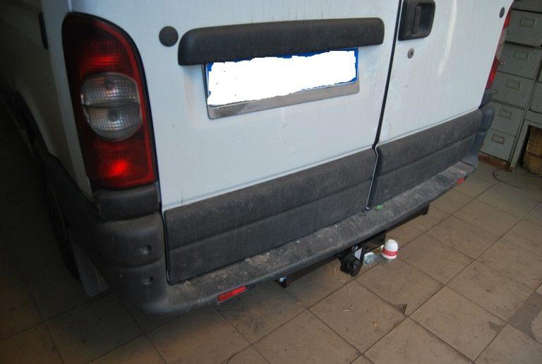 Фаркоп оцинкованный Nissan Interstar 1998-2010, Opel Movano A 1999-2010, Renault Master 1998-2010 быстросъемное крепление шара - Фото