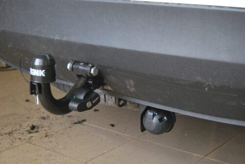 Фаркоп оцинкованный Renault Laguna I лифтбек 1994-2001 условно-съемное крепление шара - Фото